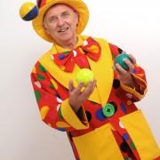 Peanut juggling