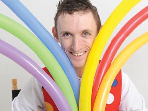 Mr Stix balloon modelling